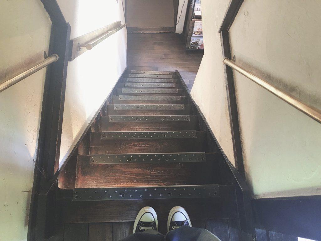 森彦 MORIHICO 階段