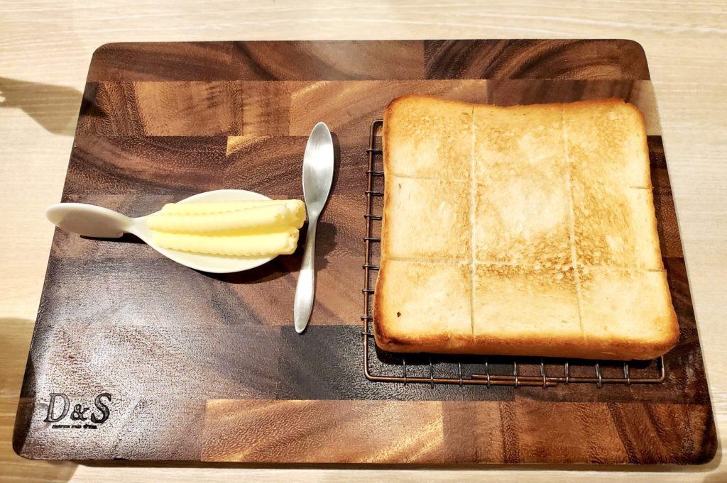 嵜本ベーカリーカフェ 食パン